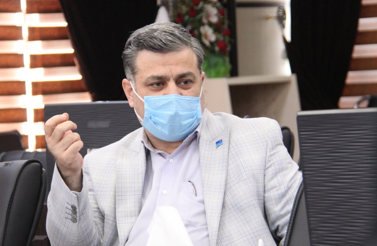 انجام واکسیناسیون کرونا درسالن ورزشی شرکت آب منطقه ای زنجان